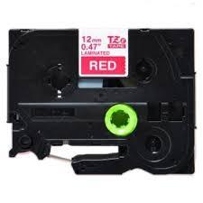 Brother TZ-435 / TZe-435, 12mm x 8m, biela tlač / červený podklad, originálna páska Originálna páska pre štítkovač Brother P-touch. Prečo kúpiť našu originálnu pásku Brother?    Originálna kazeta s páskou = záruka kvality priamo od výrobcu tlačiarne štítkov 100% použitie so štítkovačom - bezproblémové fungovanie Originálne samolepiace pásky zaručujú veľmi jednoduchú aplikáciu Osved
