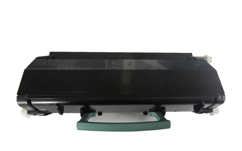 Lexmark E260A11E čierny kompatibilný toner.  Nižšia cena kompatibilnej náplne pre tlačiarne Lexmark v porovnaní s originálnou náplňou, ušetríte až 80 % nákladov na tlač.   Tonerová cartridge pre tlačiarne Lexmark vytlačí rovnaký počet strán ako originál pri zachovaní rovnakej kvality - ostré črty, sýte farby.   Garancia Vašej spokojnosti.   Každý toner prechádza pri výrobe prísnou kontrolou kvality a je plne kompatibilný s vašou tlačiarňou.   Overené našimi klientmi zo SR aj z Európskej únie.   Kompatibilné tonery Lexmark spĺňajú normu STMC, čo je celosvetovo uznávaná norma testovania kvality tlače a počtu vytlačených strán tonerovej kazety.   Naši dodávatelia sú preverení rokmi skúseností a vyrábajú produkty podľa normy ISO 9001 a ISO 14001.    Existuje mnoho výrobcov kompatibilných náplní, ale kvalita môže byť odlišná. Kód výrobca: E260A11E